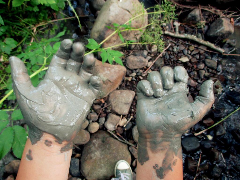digital detox get outside in nature